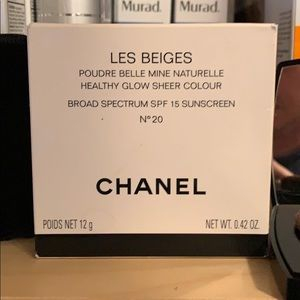 Chanel Les Beiges Healthy Glow Sheer Color No 20